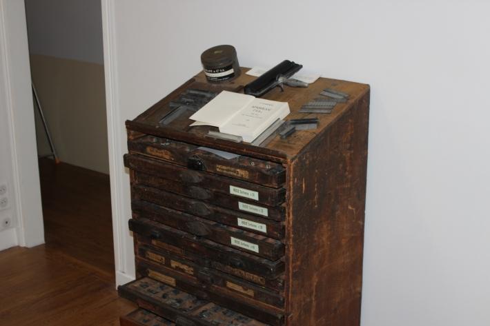 meuble typographique provenant de l'imprimerie Bérezniak